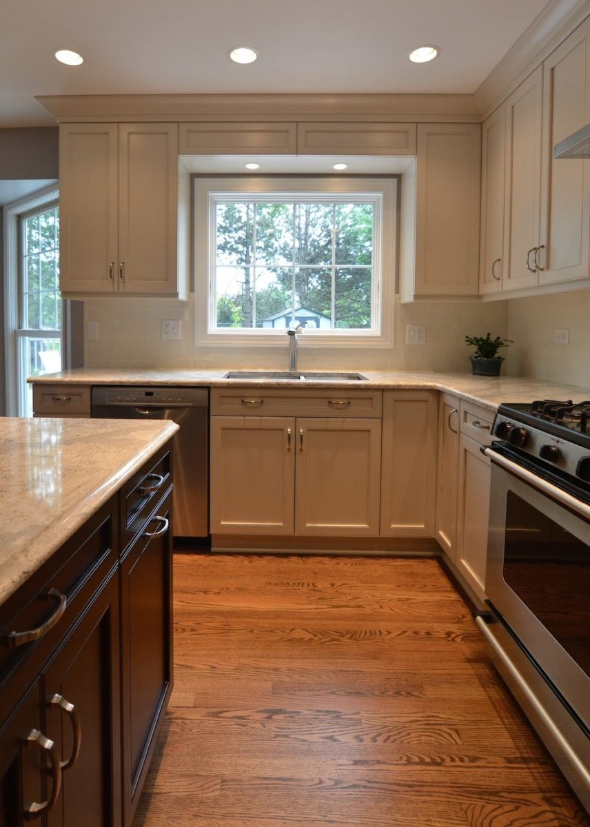 cozy-transitional-kitchen-drawers